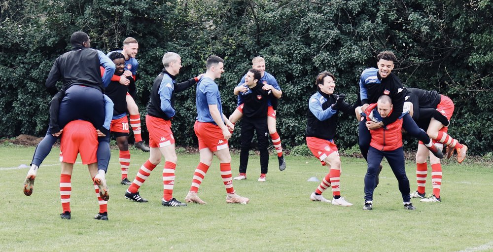 All smiles during the pre-match warm-up!