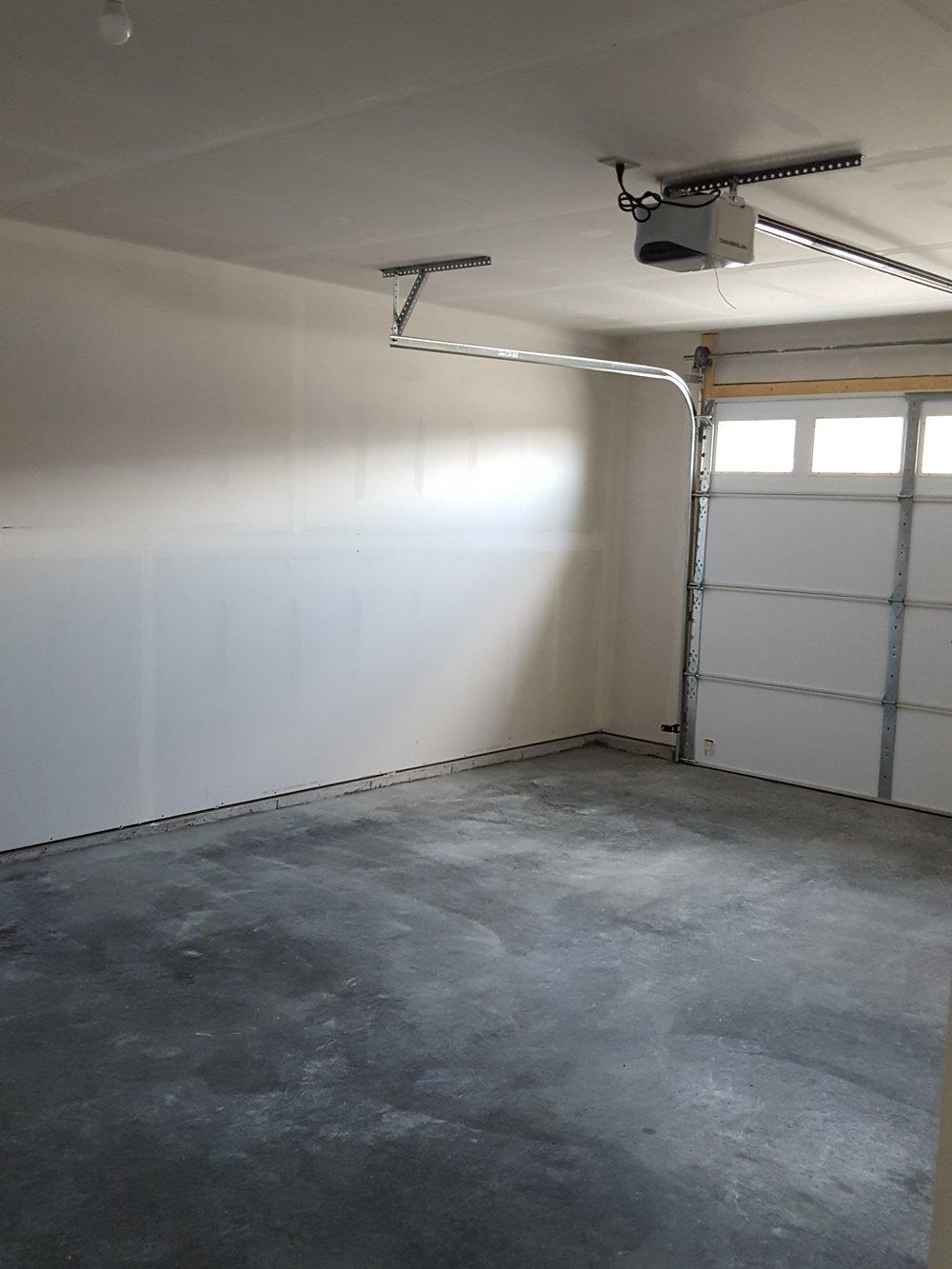 1 br garage garage.jpg