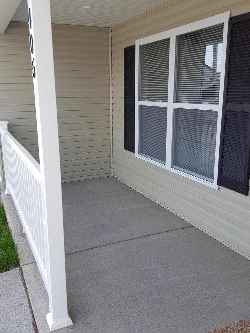 1 br garage porch.jpg