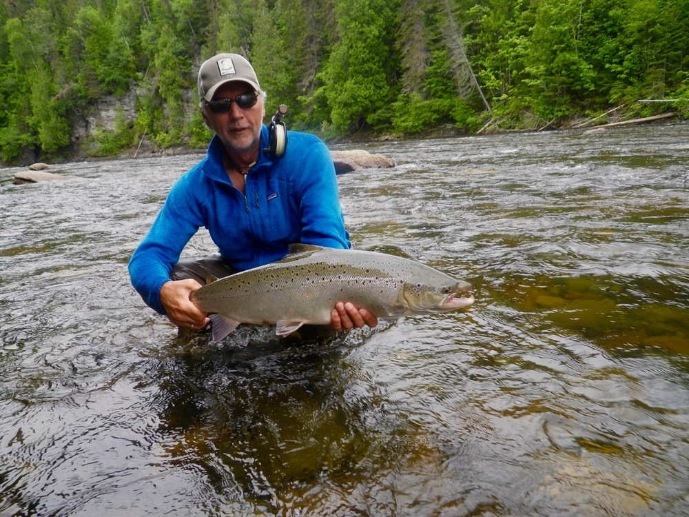 Salmon Lodge regular Henrik Mortensen with another nice Greand Cascapedia salmon, congratulations Henrik!
