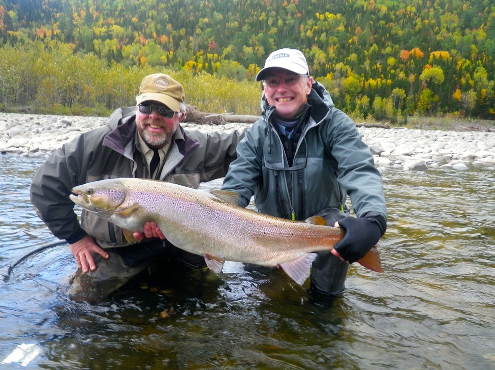 John Wemekemp (left) and salmon Lodge guide Larry Dee with a beautiful 30 plus pounder from the Grand Cascapedia, well done John, what a way to end the season!