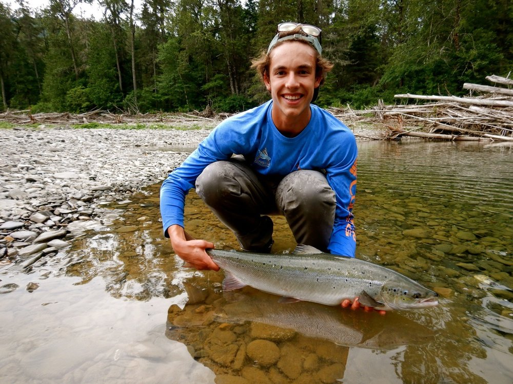 Antoine T'Kent with a fine salmon on the Bonaventure, nice one Antoine!