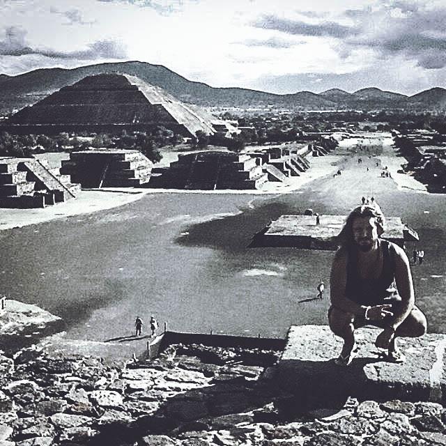 teotihuacanpyramidschadmcmillan.jpg