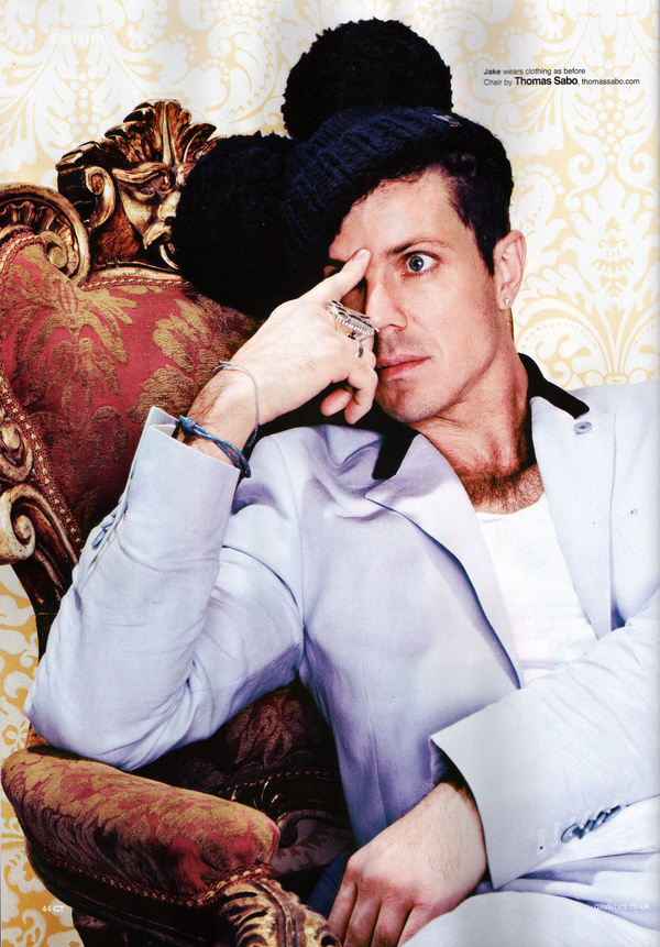 Jake Shears wearing Mathieson & Brooke Tailors designed Linen suit 2 small.jpg