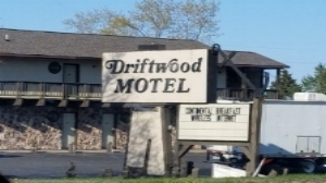 Driftwood Motel - 540 North Third StreetRogers City, MI 49779(989) 734-4777