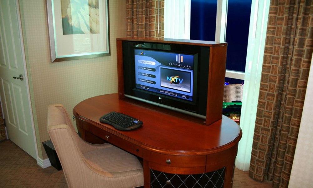 1 BR TV.jpg