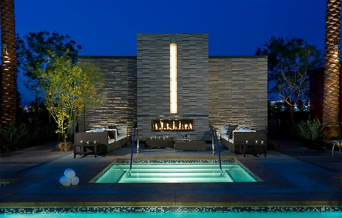 xlg_palmsplace-new-4b-pool.jpg.pagespeed.ic.Z2eXZDQI8Q.jpg