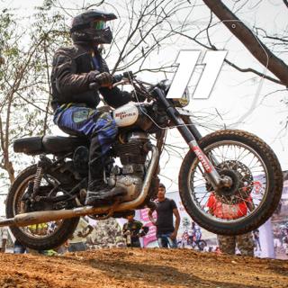 Rider No: 11