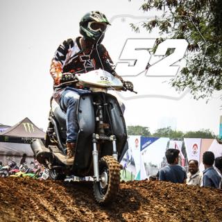Rider No: 52