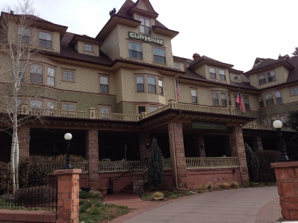Cliff House at Pike's Peak