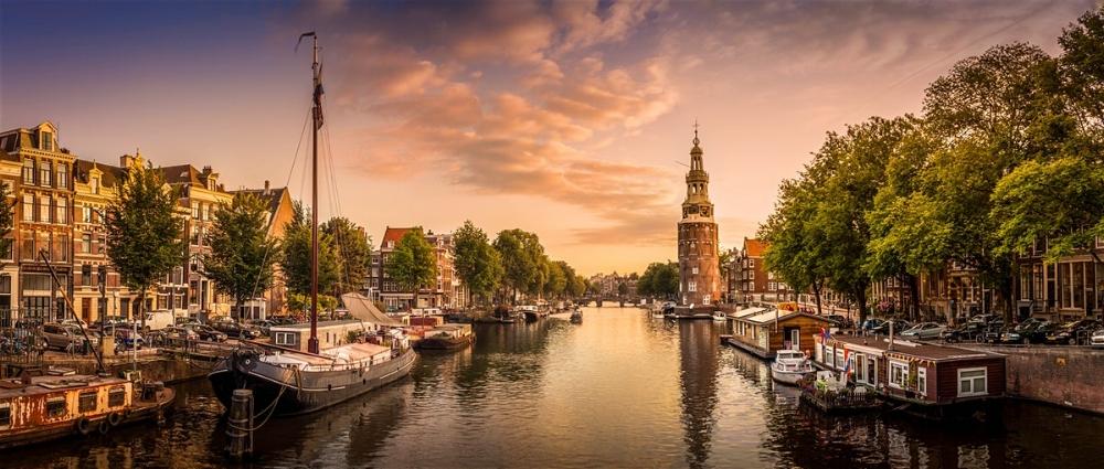 AMSTERDAM, NL
