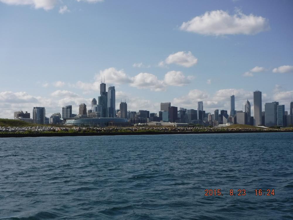 Salty Dog Sailing Charter Chicago Lakefrontpict1.JPG
