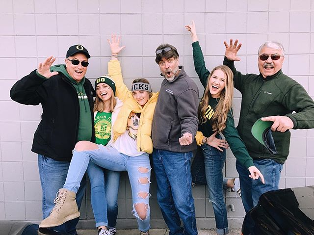 Showing dads the Chi Ooooooo way and showing them a win at Autzen!!✨🐥🏈