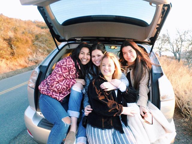 Winter break is the perfect time for a road trip to visit sisters! Hoping everyone's first week off was a great start to the holidays 💫