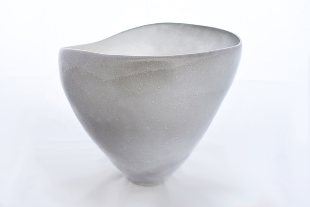 bowring_kiri_porcelain_vessel_12x14x13_1800.jpg