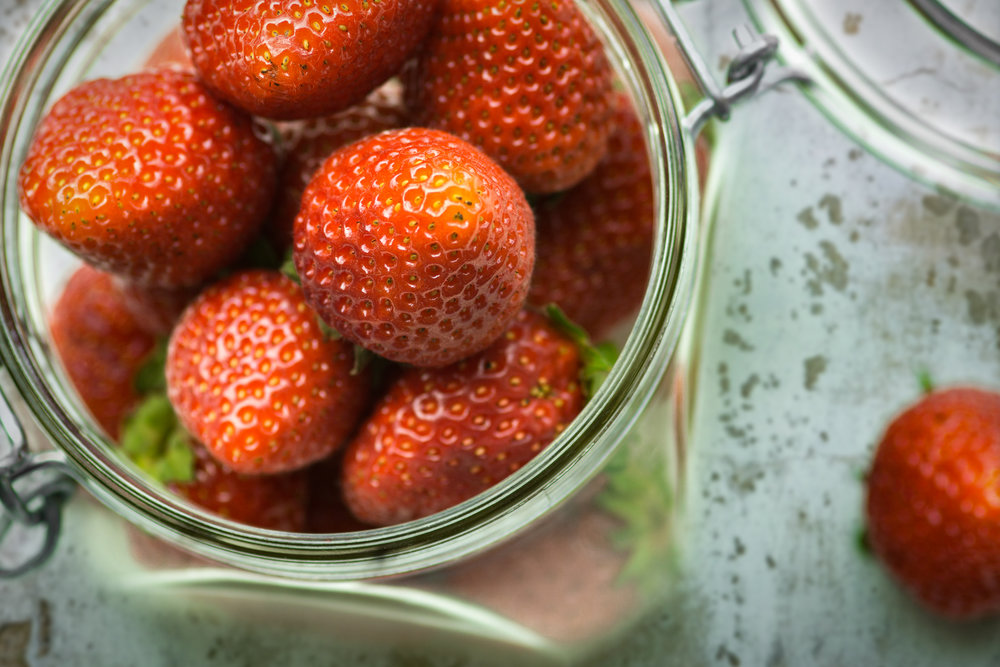 bossfight-free-high-stock-photos-strawberries-red-seeds.jpg