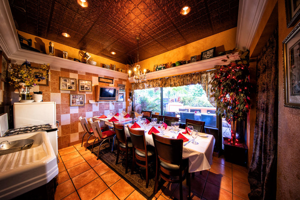 Nonna's Kitchen - Fully private room seating up to 10 guests.TV screen available for small presentations. Minimum of 6 guests to reserve.Seating times:5:00-7:30pm & 8:00pm-Close (T-F)5-8pm and 8:30pm-Close (Saturdays)To Rent for whole evening (start your event at any time):$400 food & beverage spending minimum (Tuesday-Thursday).$800 food & beverage spending minimum (Friday & Saturday).