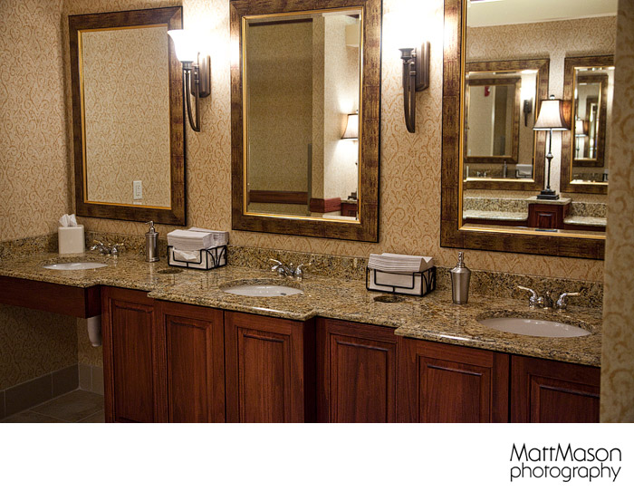 Hilton Garden Inn Milwaukee Bridal Elegant Bathroom