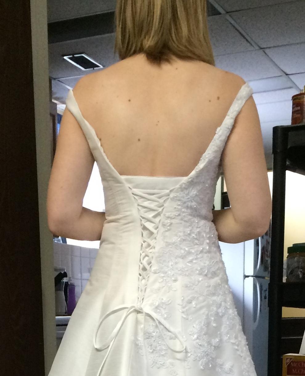 Low corset back detail