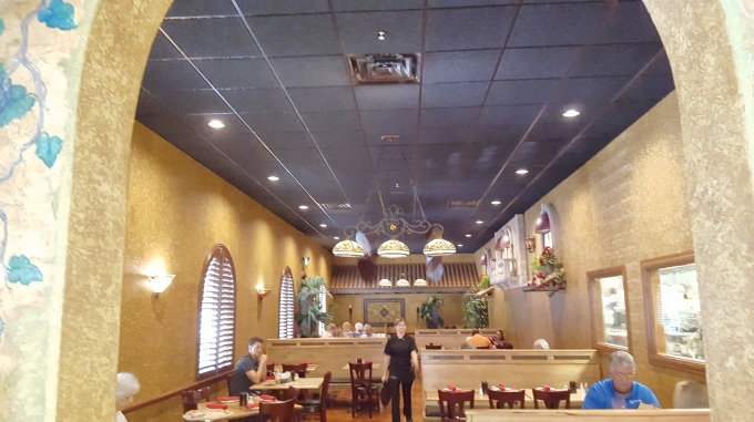 680-Papa-Joes-Main-Dining-Room.jpg