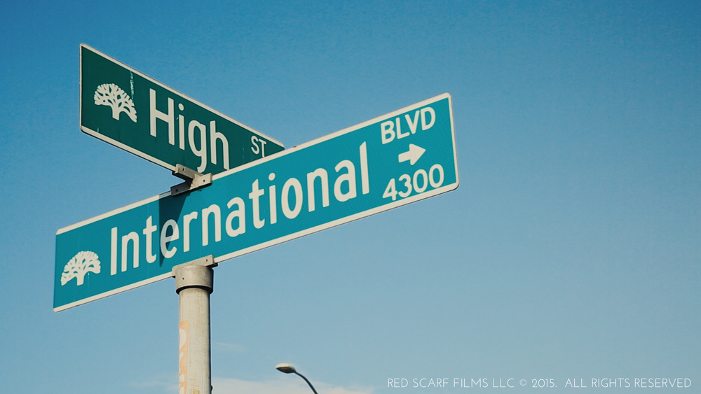 Intl & High St Sign.jpg