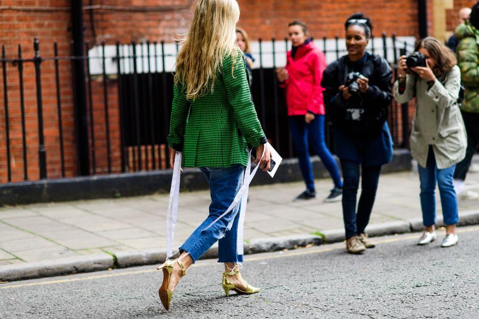 london-lfw-street-style-ss18-day-1-tyler-joe-022-1505722379.jpg