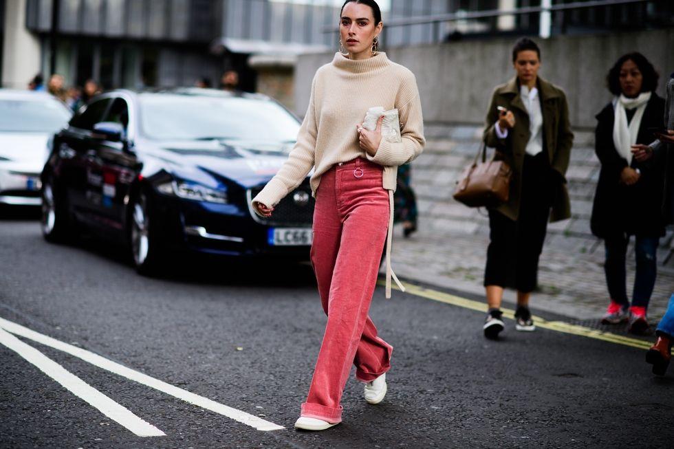 london-lfw-street-style-ss18-day-2-tyler-joe-026-1505737373.jpg