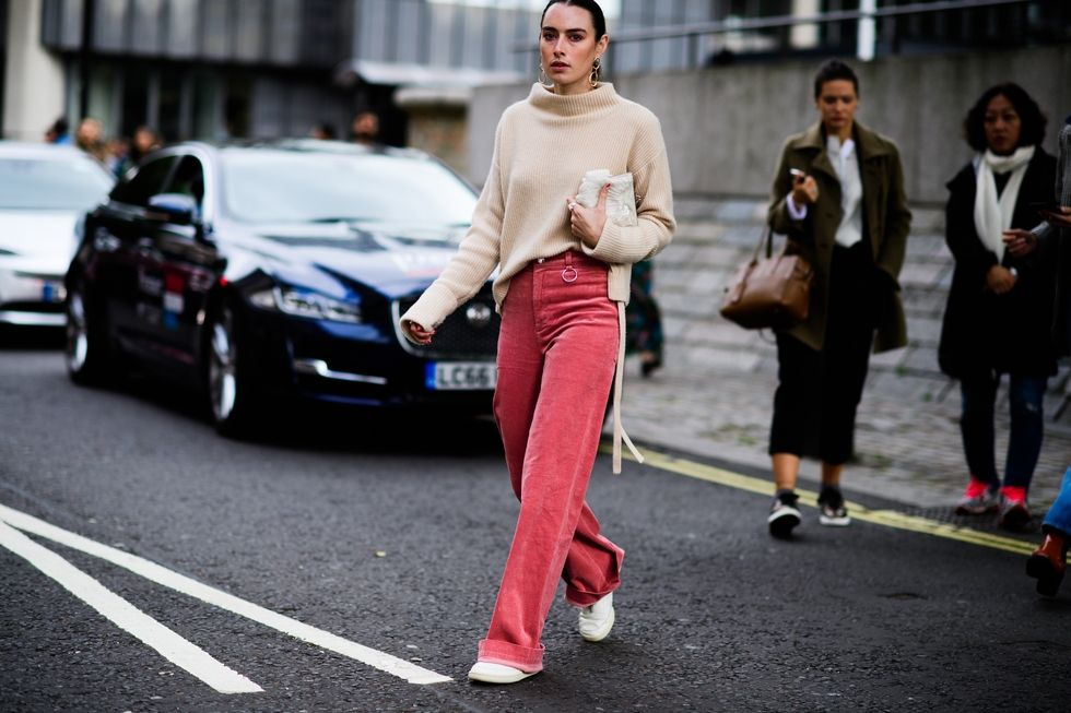 london-lfw-street-style-ss18-day-2-tyler-joe-026-1505737373.jpg
