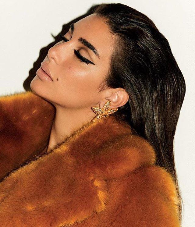 Last minute makeup inspiration! #happynewyear  #middleeasternfashionista #yasminesabri#voguearabia#2019#newyearseve#trend#model#fashion#style#saudi#saudiarabia#jordan#swag#London#nyc#beirut#damascus#dubai#uae#paris#qatar#isatnbul#kuwait#bahrain#doha#ياسمين_صبري