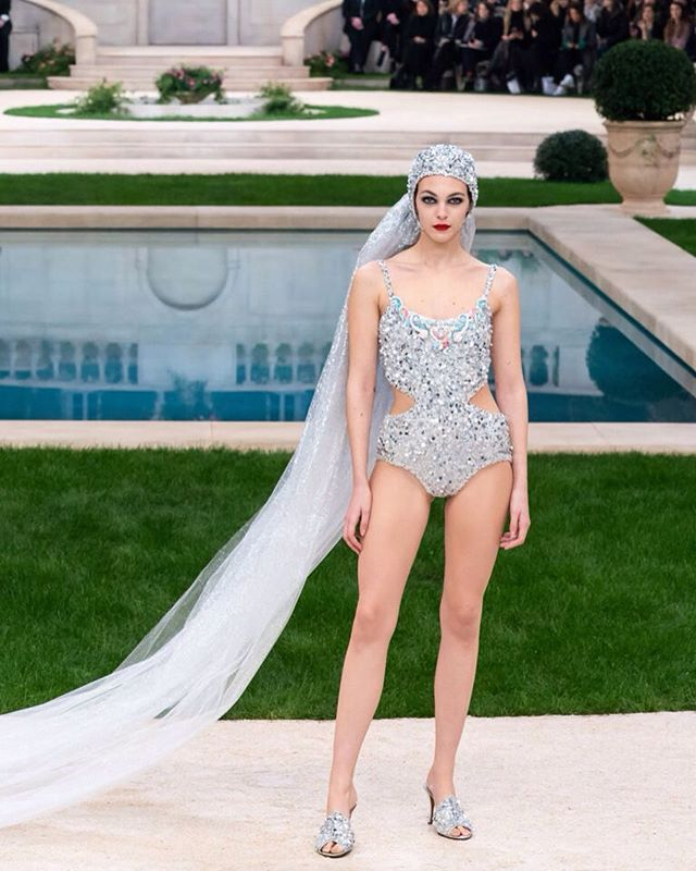 Ready for the honeymoon bride @chanelofficial  #middleeasternfashionista #villachanel#pfw#ss19#parisfashionweek#bride#wedding#chanel#hautecouture#fashionweek#fashion#trends#model#japan#china#paris#london#milan#dubai#kuwait#uae#dxb#qatar#beirut