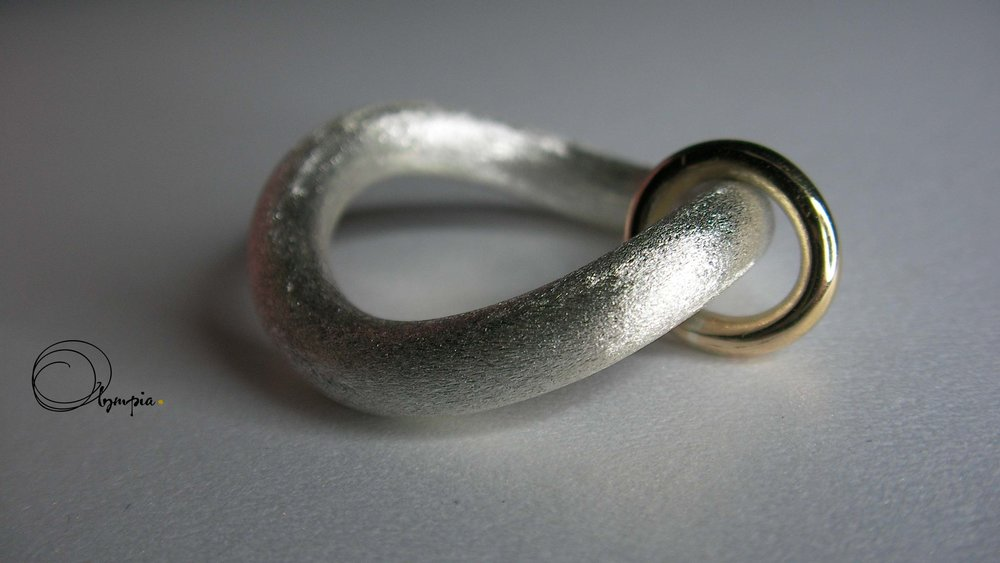 wave ring band.jpg