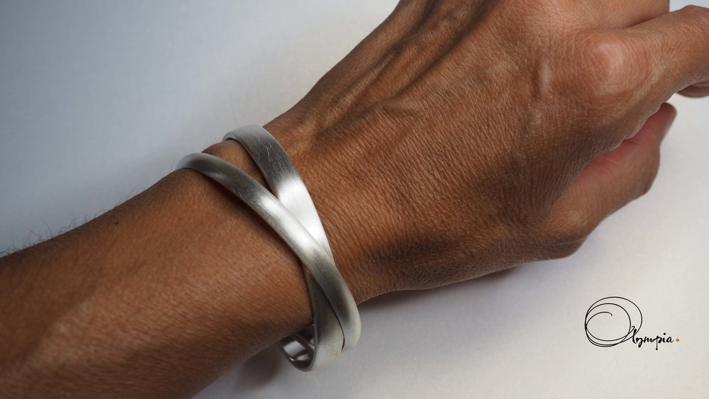 double bound matte bangle on wrist copy.jpg