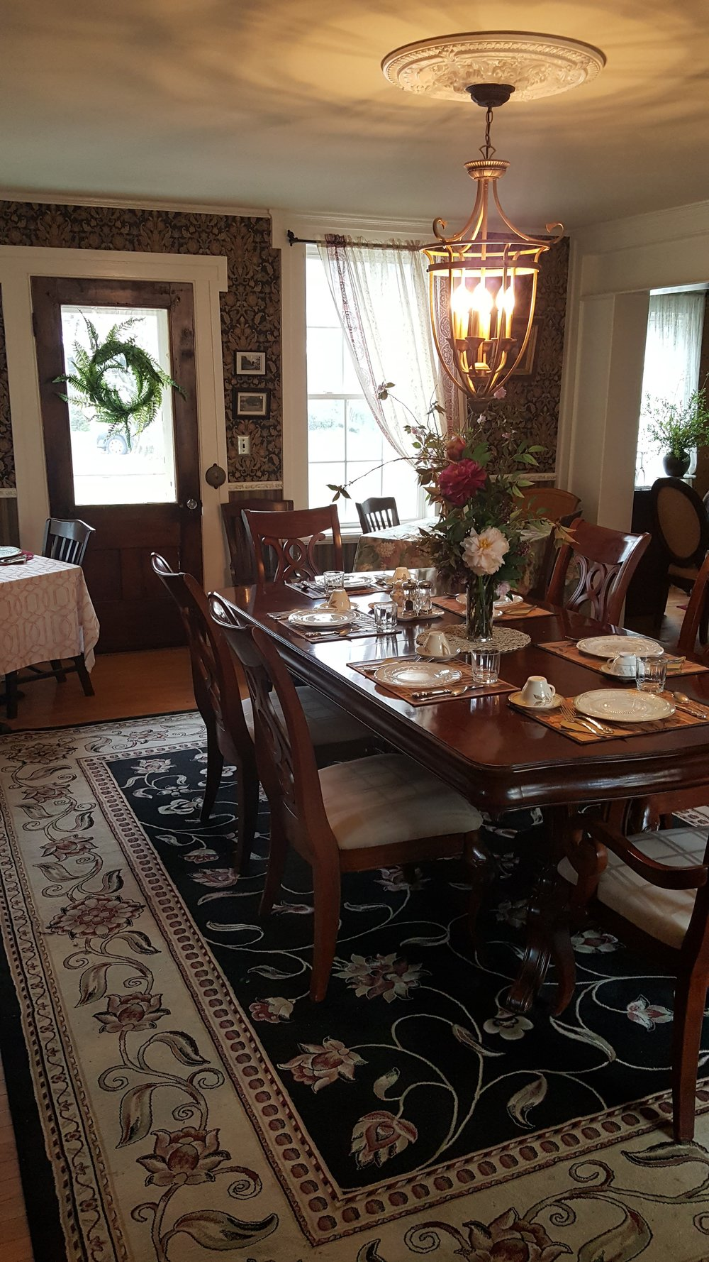 DINING ROOM EAST2.jpg