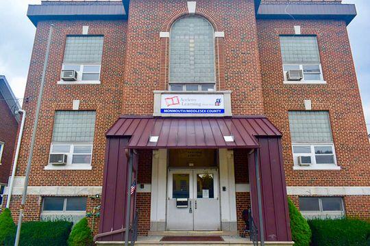 Carteret Center    (Offers Extended Day)  132 Emerson St Carteret, NJ 07008 Phone: (732) 969-2626 Fax: (732) 366-2483   Center Director: Sherrine Clark