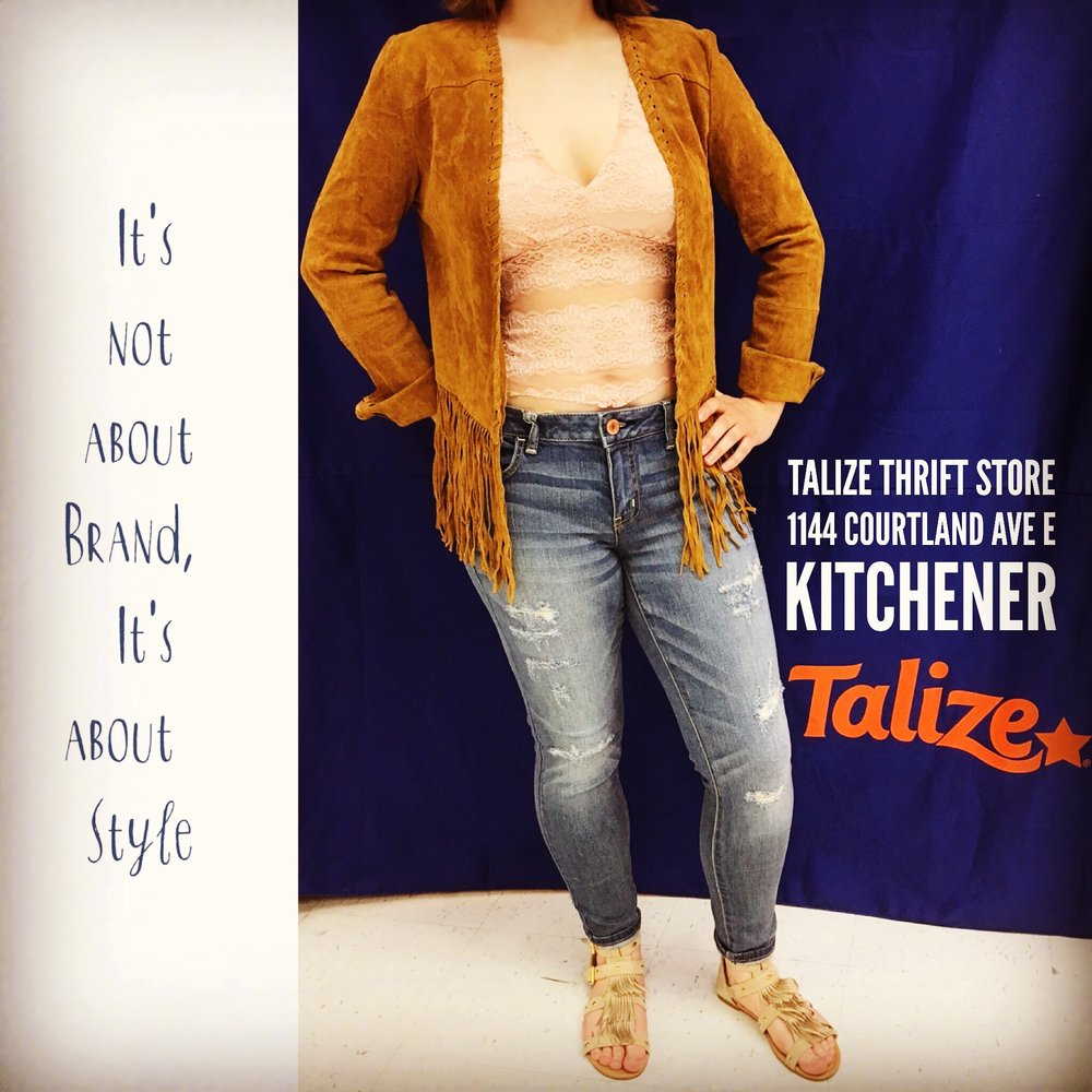 talizethrift Take the spring essentials from simple to stand out with these ideas from our Kitchener store - American Eagle jeans/ Seduction top / Forever 21 jacket/ My Style sandals  #fashionfriday   #talize   #thrift   #style  #springfashion