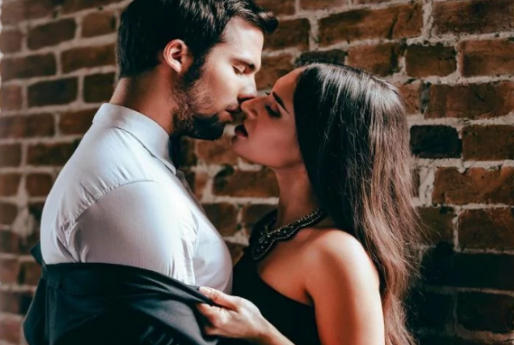 What Couples Who Are KILLING It In The Bedroom Do (That You DON'T)