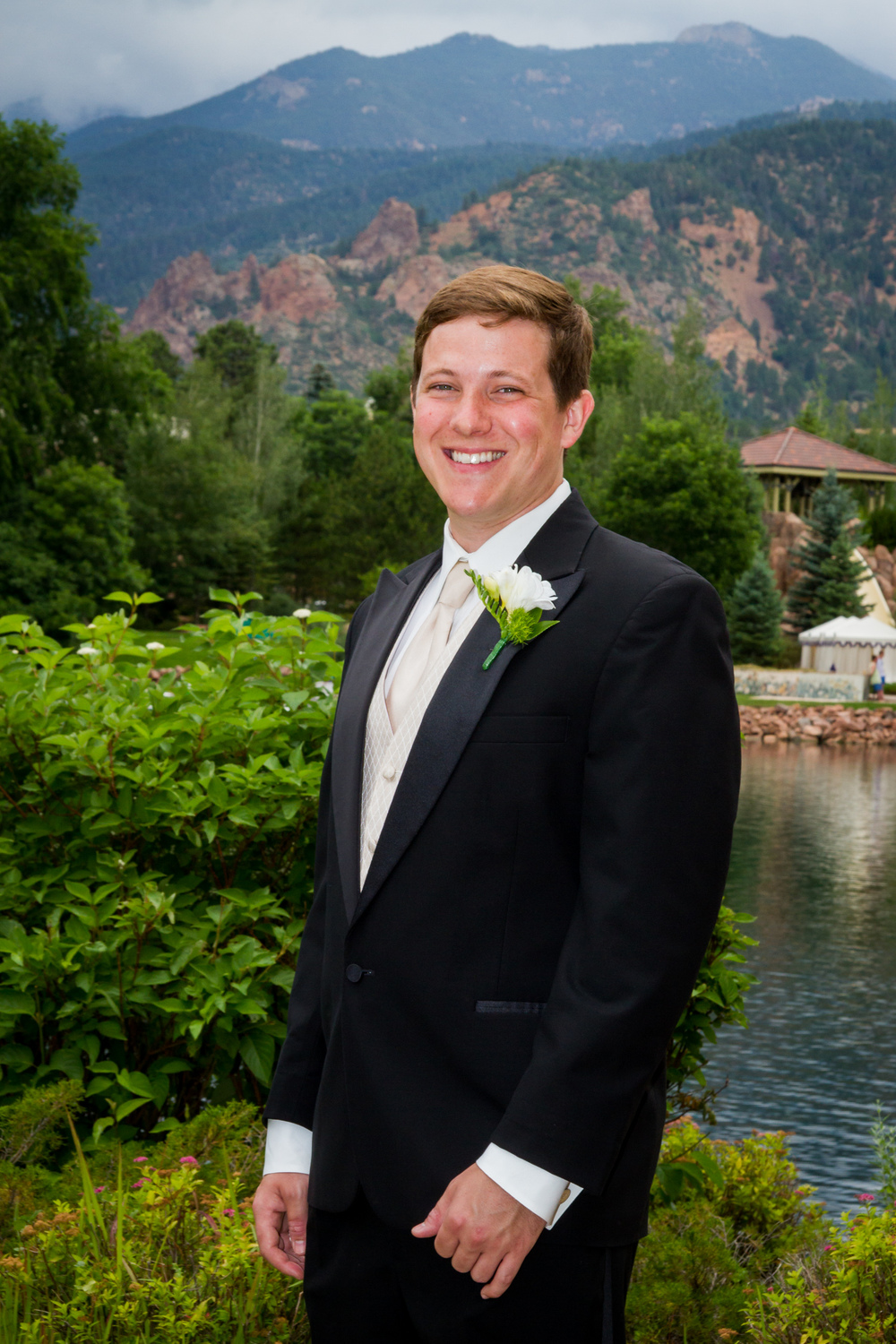 Broadmoor-Wedding_021.JPG