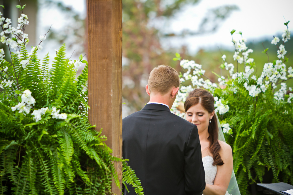 Crooked_Willow_Farms_Wedding_033.JPG