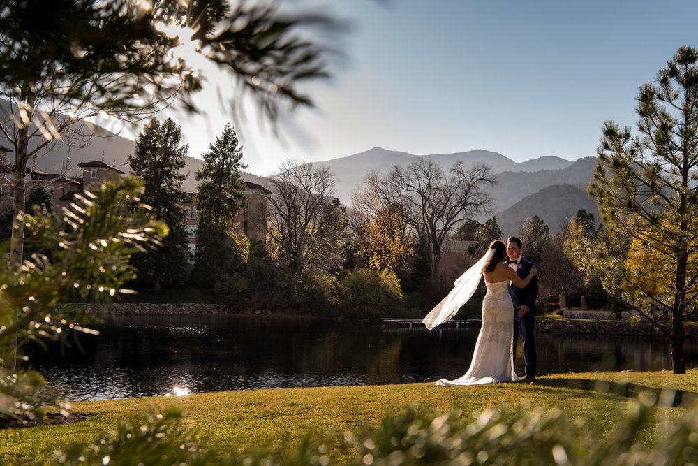 PaigeEden_Weddings_Broadmoor_015.jpg