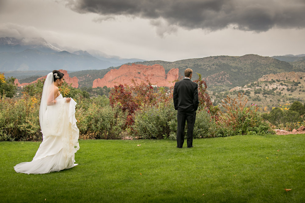 PaigeEden_Weddings_Broadmoor_019.jpg