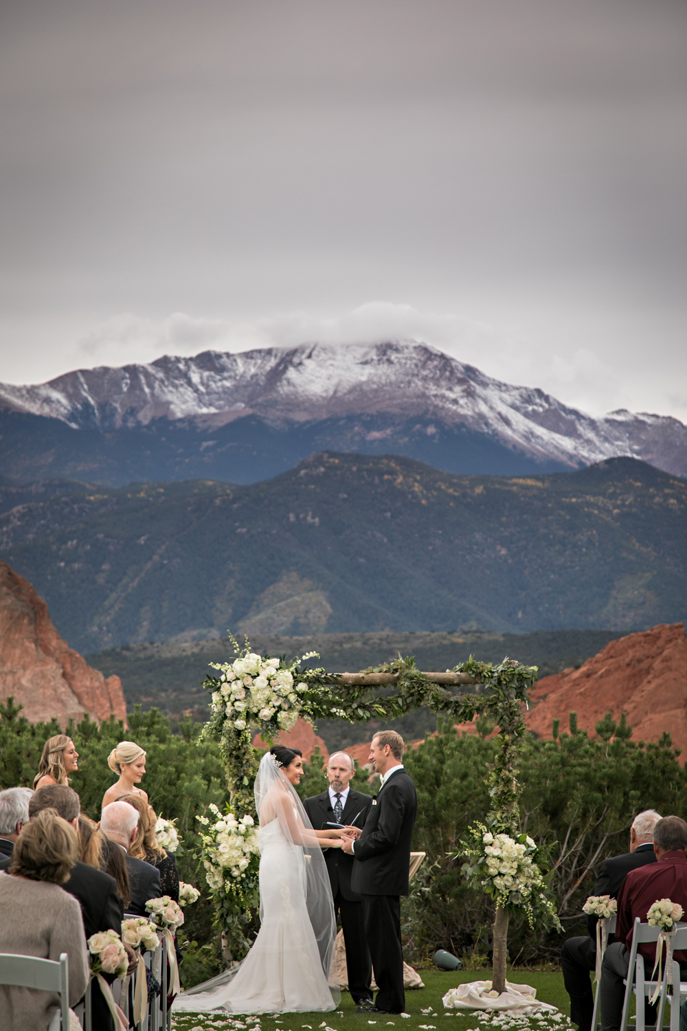 PaigeEden_Weddings_Broadmoor_042.jpg