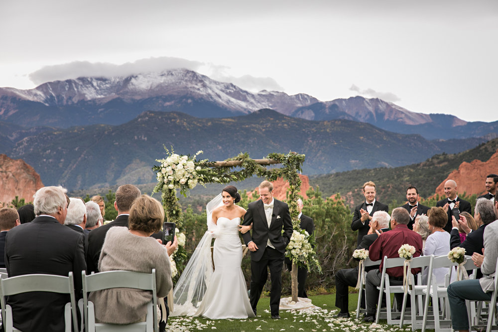 PaigeEden_Weddings_Broadmoor_045.jpg