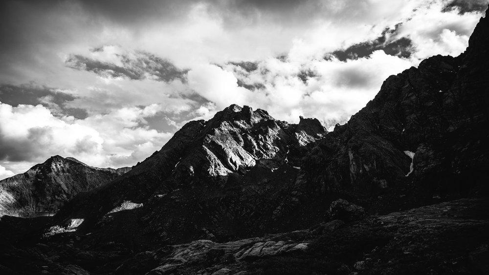 mountains b&w.jpg