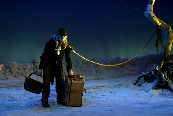 Geoff Sobelle in Waiting for Godot