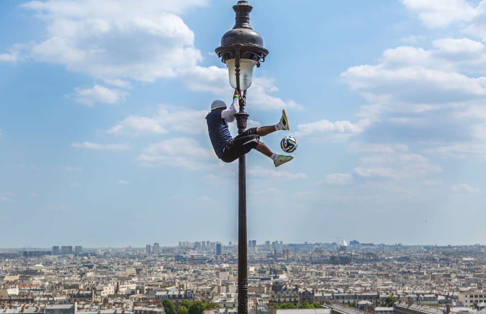 Footballer outside the Sacré-Cœur