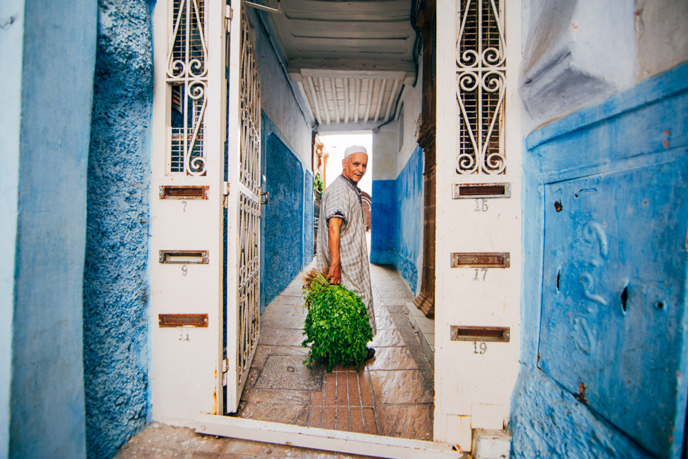Man bringing home parsley for Ramadan dinner