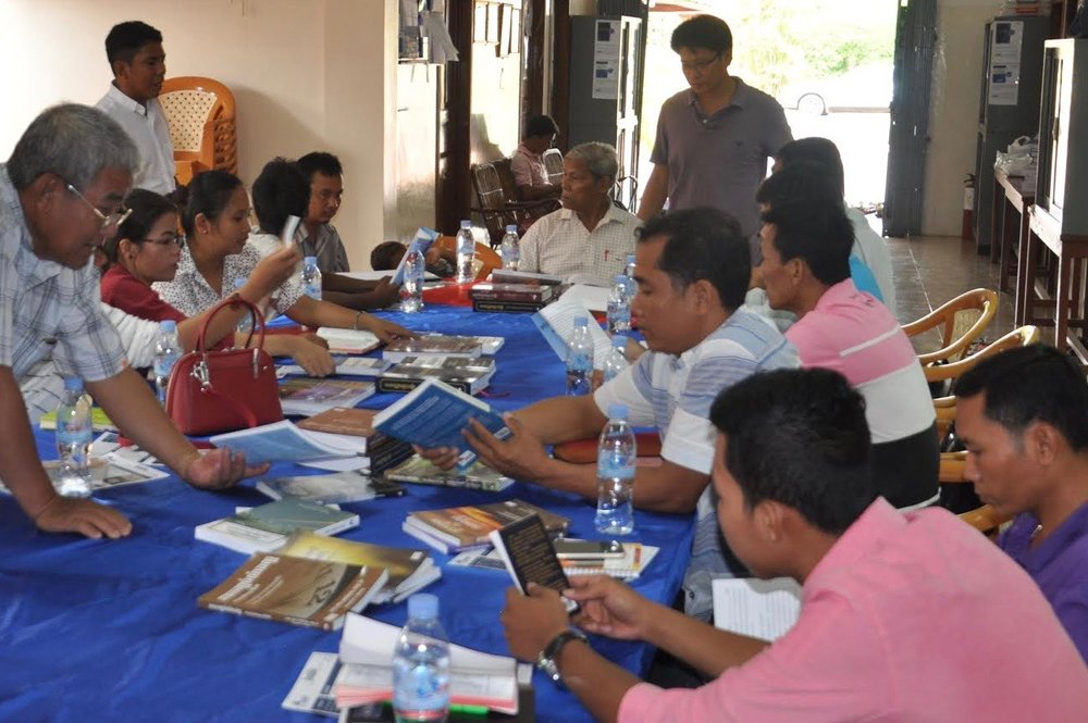 A training session on Fount of Wisdom's books in one of Cambodia's provinces.