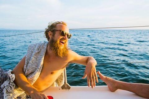 Boat banter #maderaslife 📷:@nicolelhill_ ⛵️:@nicasailandsurf #nicasailandsurf