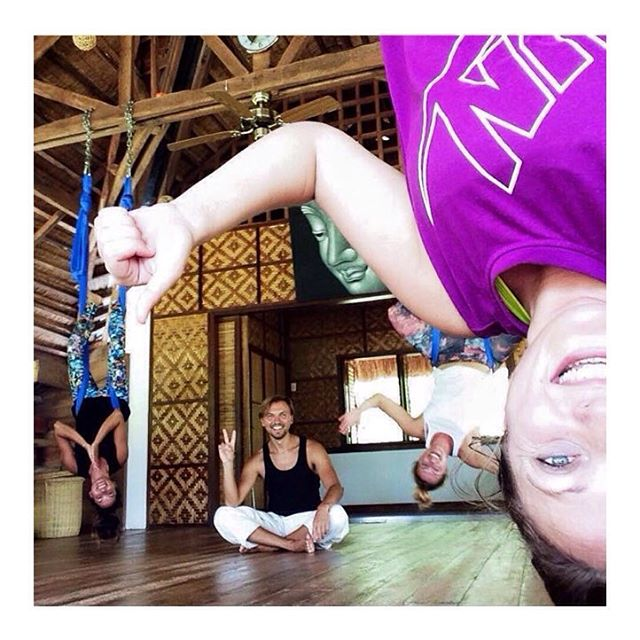 #aerialyoga at the #yogabarnpanglao with Alex!  This turned out to be our favourite selfie ever!!! #selfie #yoga #yogselfie #yogastudio #yogalove #yogaeverydamnday #yogaeverywhere #fun #smile #upsidedown #friends