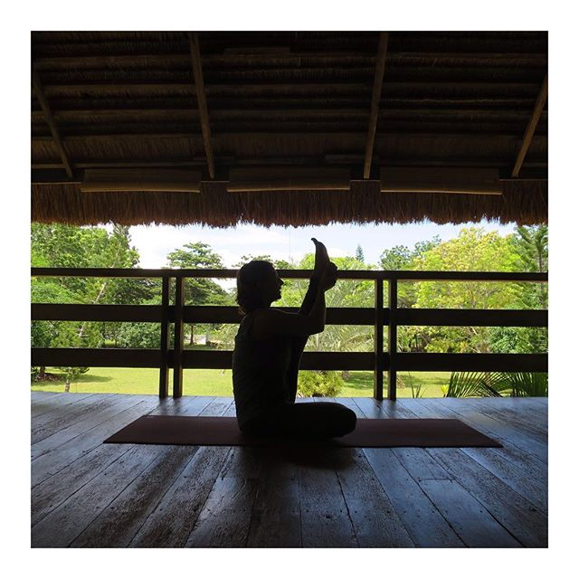 Today my Yoga is about slowing down to get strong! ☯ 🔅Slow flow at sunset🔅 #yogabarnpanglao  #yoga #yogastudio #yogapanglao #bohol #philippines #yogateacher #myyogalife #slowdown #getstrong #yogapractice